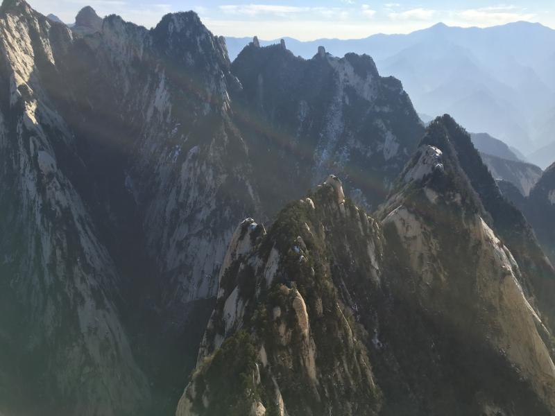 远眺三公山